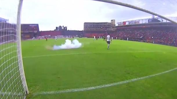 Взрыв петарды на футбольном поле