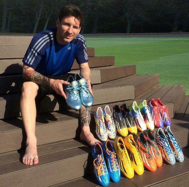 Как футболисты выбирают себе обувь.