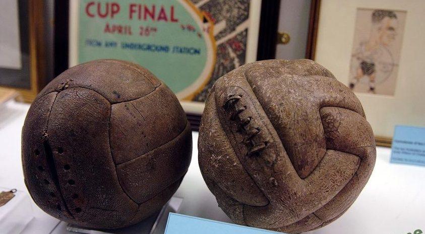 Довоенные футбольные мячи