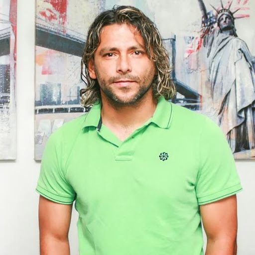 Херардо Бедойя.