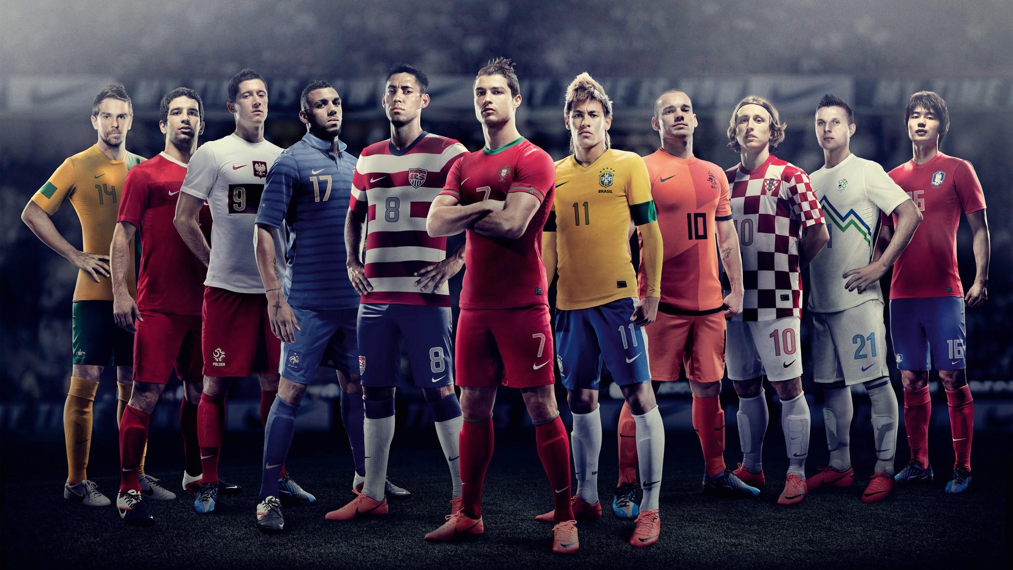 Разнообразие футбольных форм одной команды
