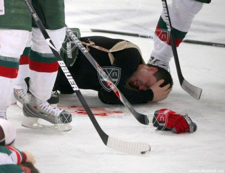 Удар головой в хоккее.