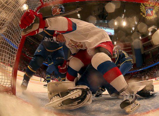 Почему хоккейные фанаты не дерутся, как футбольные