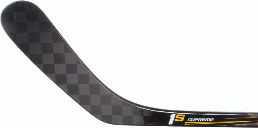 Хоккейная клюшка из углепластика.