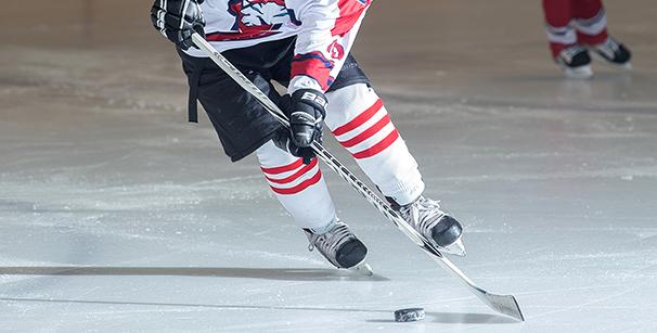 хоккеист в щитках