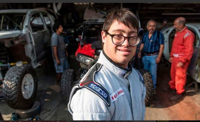 Особенный спортсмен. На ралли «Дакар» дебютировал штурман с синдромом Дауна
