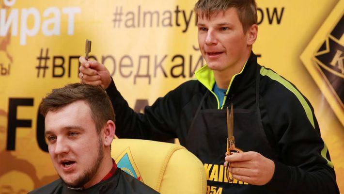 Андрей Аршавин и журналист Пётр Воликов