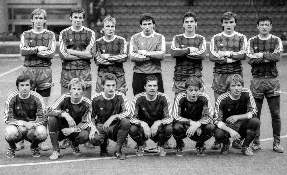 «Днепр» 1988 чемпион СССР.