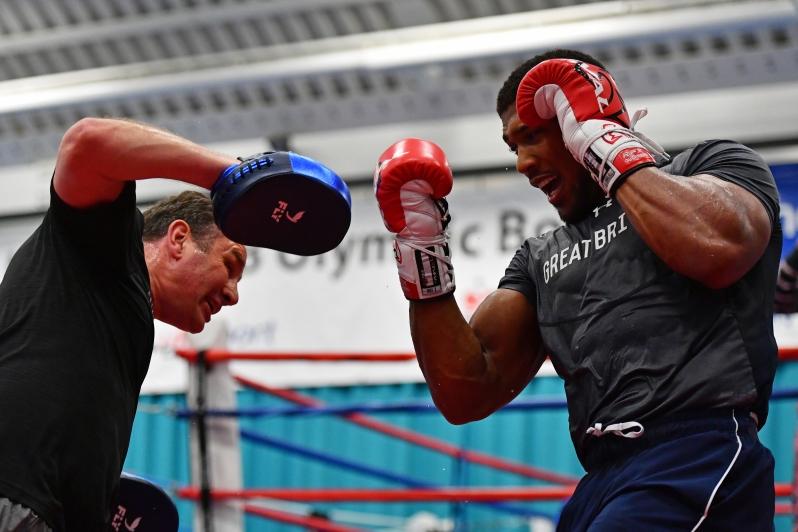 Тренировка тайминга в боксе.