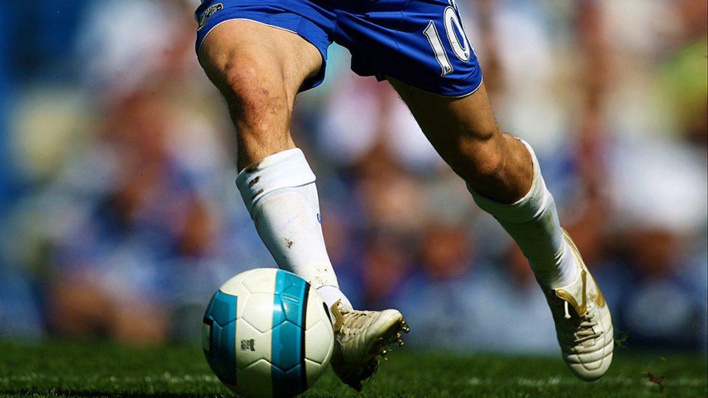 Дриблинг в футболе.