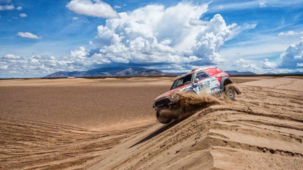 Ралли в пустыне.