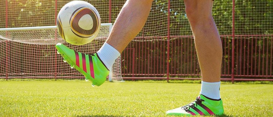 набиванию футбольного мяча