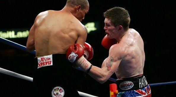 Короткий резкий удар в туловище в боксе
