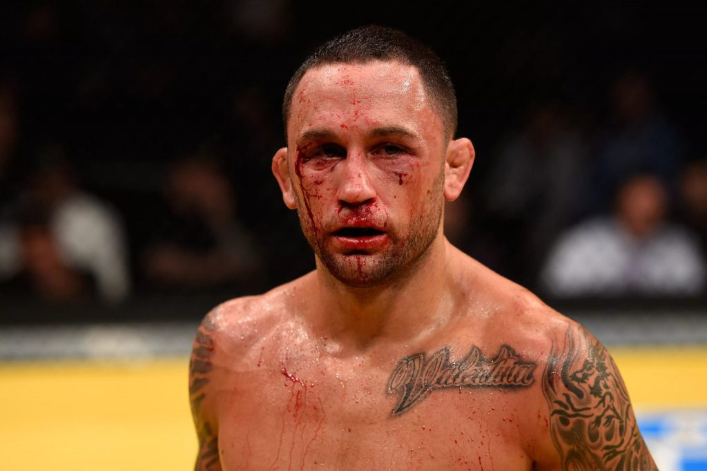 Фрэнки после пятираундовой войны с Греем Мейнардом на UFC 125 01.01.2011 года