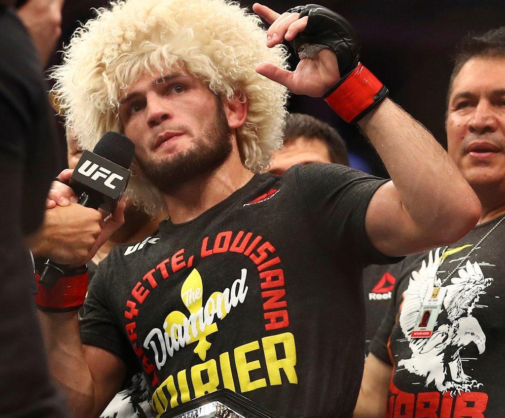 Нурмагомедов дает интервью после победы над Дастином Порье на UFC 242 13.09.2019 года