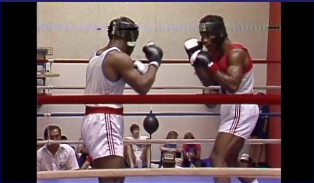 Кадр из архивной видеосъемки боя Майка. 1984 год