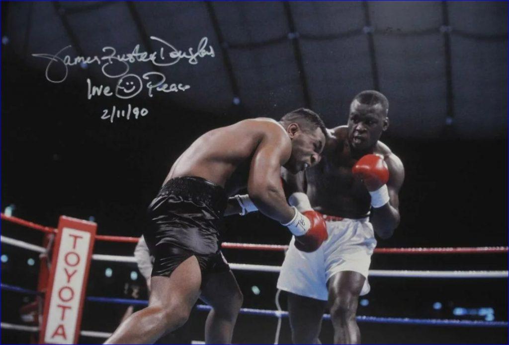 Бастер Даглас отправляет Майка Тайсона в нокаут в 10 раунде. 11.02.1990 года