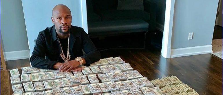 Настоящая страсть боксера – фото с деньгами.