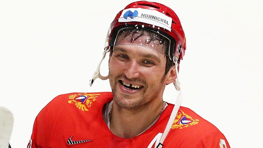 Знаменитая улыбка великого хоккеиста
