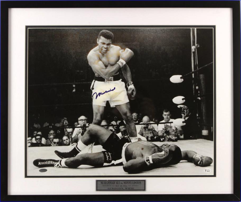 """Сын Али дал """"прогноз"""" на бой отца с Майком Тайсоном. """"Он не боксёр"""""""