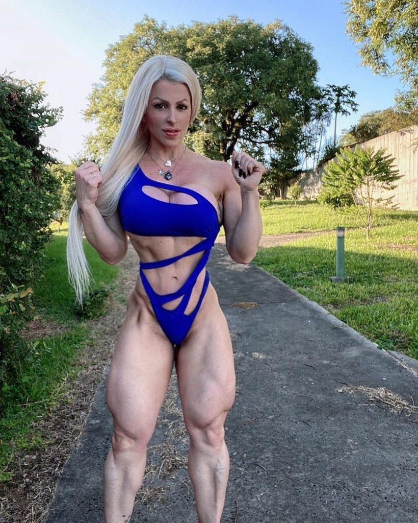 ТОП-7 известных женщин с горами мышц (девушки-бодибилдеры)