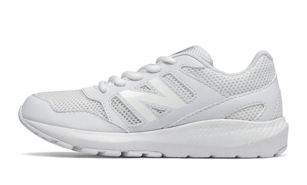 5 пар белых кроссовок, в которые влюбляются все без исключения!