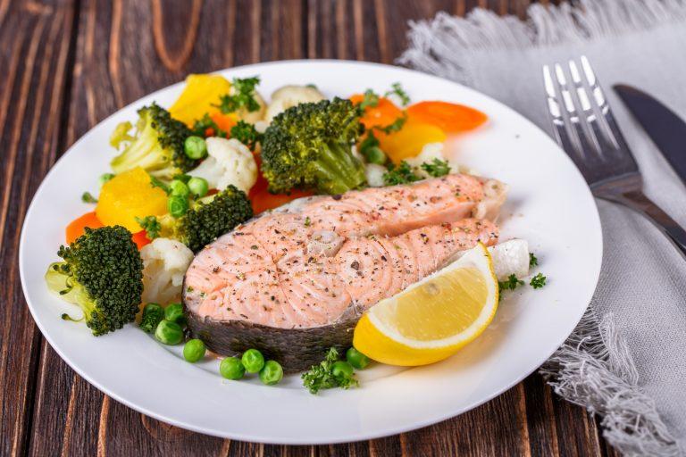 5 продуктов, которые даже полезно съесть на ночь